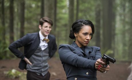 Turned On - The Flash Season 2 Episode 14