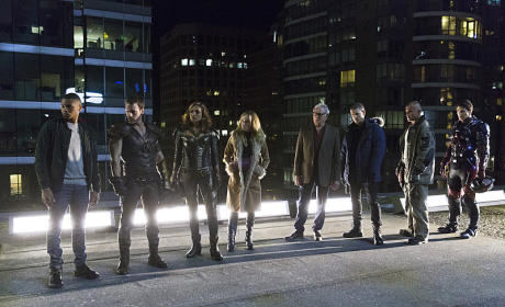 Legends Assembled - DC's Legends of Tomorrow Season 1 Episode 1