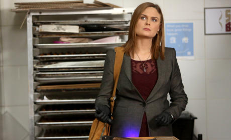 Brennan Looks Perplexed - Bones Season 10 Episode 13
