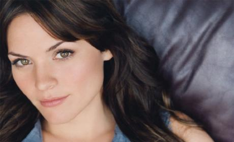 Lauren Bittner Cast as Cousin on Hart of Dixie