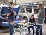 Rob Riggle on Happy Endings