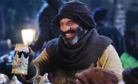 Grumpy Looks Happy - Once Upon a Time Season 5 Episode 12