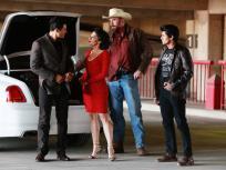Queen of the South Season 1 Episode 9 Review: Cogo Todo Lo Que Puede Llevar