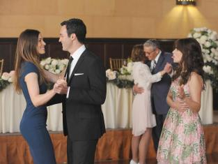 Jess vs. Jessica Biel - New Girl