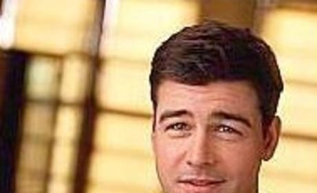 Kyle Chandler Leaves His Mark Again