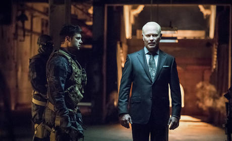 Damien Darhk in Command - Arrow Season 4 Episode 1