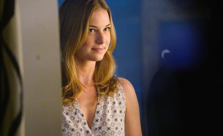 Revenge Season 4 Episode 15 Photo Preview: Get Ready for Bemily!