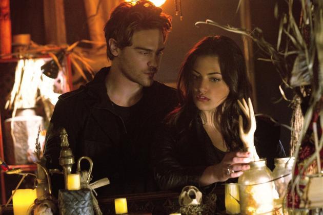 Grey Damon on The Secret Circle