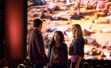 "Kevin Williamson Teases ""Huge Twist"" on Vampire Diaries Season 3 Premiere"