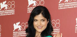 Selma Blair Cast Opposite Charlie Sheen in Anger Management
