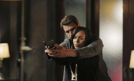 Scandal Winter Finale Photos: Ready… Aim…