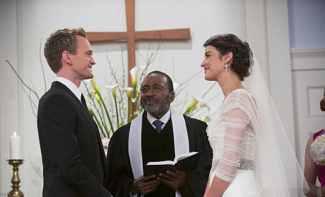 How I Met Your Mother Wedding Pics: First Look!
