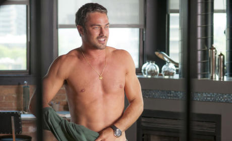 Chicago Fire Review: Detective Scary Pants