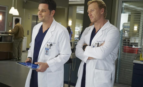 Smiling Surgeons - Grey's Anatomy Season 12 Episode 3