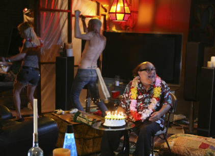 Watch It's Always Sunny in Philadelphia Season 6 Episode 10 Online