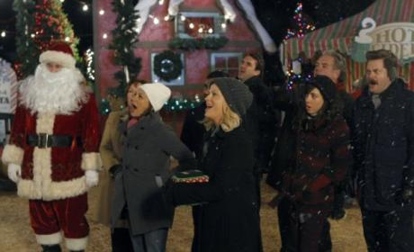 "Parks and Recreation Review: ""Christmas Scandal"""