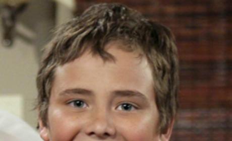 Ryan Malgarini as Tom Brooks