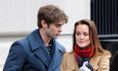 Gossip Girl Set Photos: Why is Blair Crying?