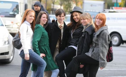 Connor Paolo Greets Gossip Girl Fans