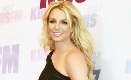Britney Spears Books Visit to Jane the Virgin Season 2!