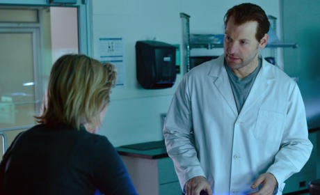 Eph Chats with Pauline - The Strain Season 2 Episode 2