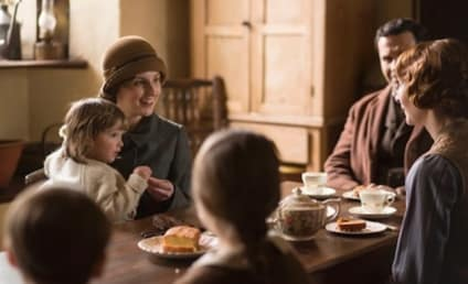 Downton Abbey Season 5 Episode 1 Review: Change is in the Air