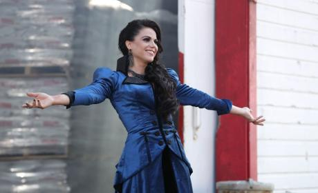The Evil Queen Has Open Arms - Once Upon a Time Season 6 Episode 3