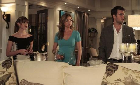 Revenge Boss Talks Season 3, New Romances, The Shooting of Emily Thorne