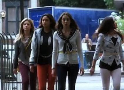 Watch Pretty Little Liars Season 4 Episode 10 Online