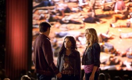 "Kevin Williamson Teases ""Huge Twist"" on Vampire Diaries Season 3 Premiere"
