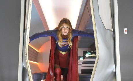 Supergirl Season 2: Superman, Tumultuous Romance & Who is in the Pod?