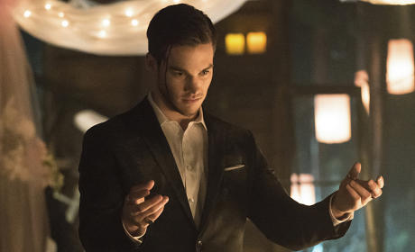 The Vampire Diaries: Watch Season 6 Episode 22 Online