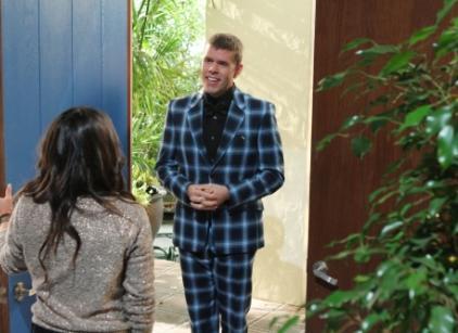 Watch 90210 Season 4 Episode 7 Online