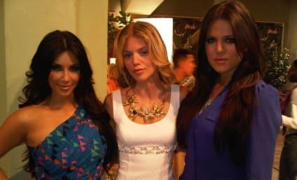 AnnaLynne McCord and the Kardashians: Cheeeese!