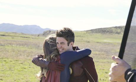 TV Ratings Report: The Flash Lifts Supergirl