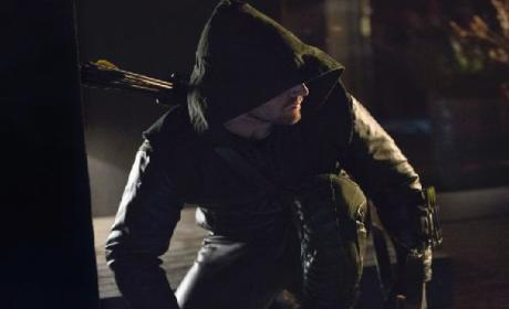 "Arrow Promo: ""Lone Gunman"""