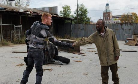 Morgan meets new people - The Walking Dead