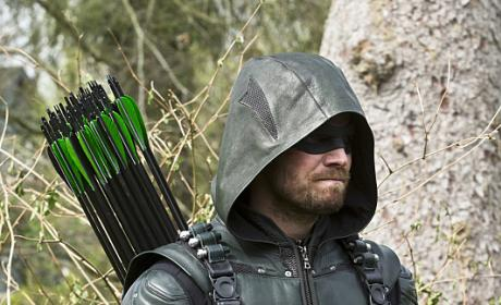 The hero enters - Arrow Season 4 Episode 22