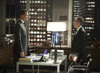 Watch Suits Season 3 Episode 13 Online