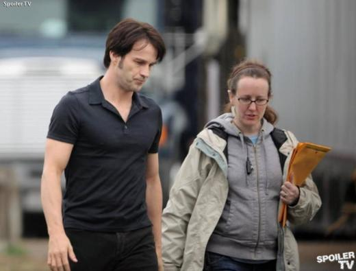 Stephen Moyer On Set