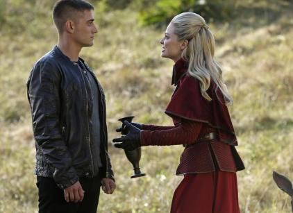 Watch Once Upon a Time in Wonderland Season 1 Episode 10 Online
