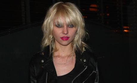 Taylor Momsen is Pretty in Hot Pink
