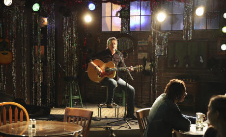 Frankie On Stage - Nashville Season 4 Episode 7