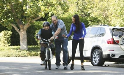 Modern Family Review: Slow Down, Your Neighbors