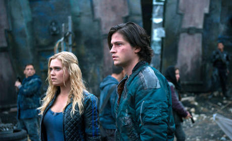 The 100 Season 2 Episode 8 Review: Spacewalker