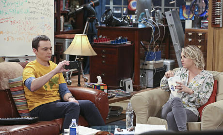 Time for a Selfie? - The Big Bang Theory Season 9 Episode 10