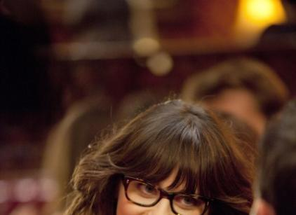 Watch New Girl Season 1 Episode 1 Online