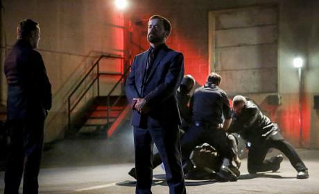 Russian Thug - Arrow Season 5 Episode 1