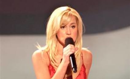 Kellie Pickler to Host Country Music Special