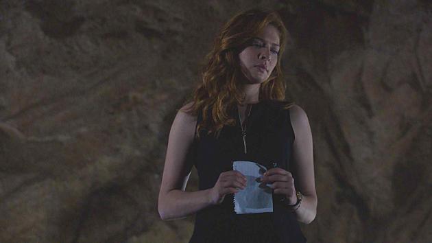 Sad Julia in the Tunnel - Under the Dome Season 2 Episode 8